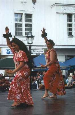 Performances of Luana Na Manu I Hula Alapa`i A Berlin