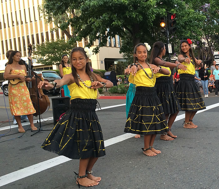 Giving the San Rafael Farmer's Market a taste of Hula before the Recalling Hawaii performance in Marin June 21, 2014